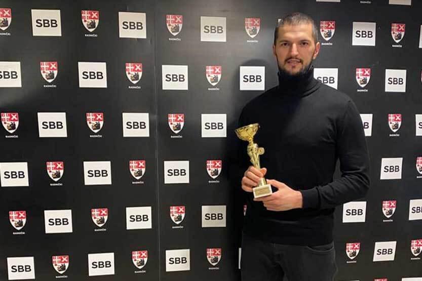 Read more about the article Odbojkašu Radničkog Irfanu Hamzagiću priznanje za sportistu godine grada Kragujevca